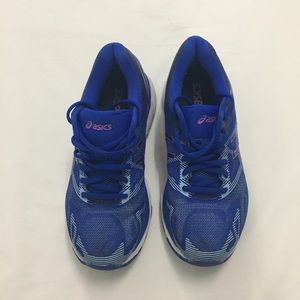 Asics Womens Size 7 Gel-Nimbus 19 Running Shoes